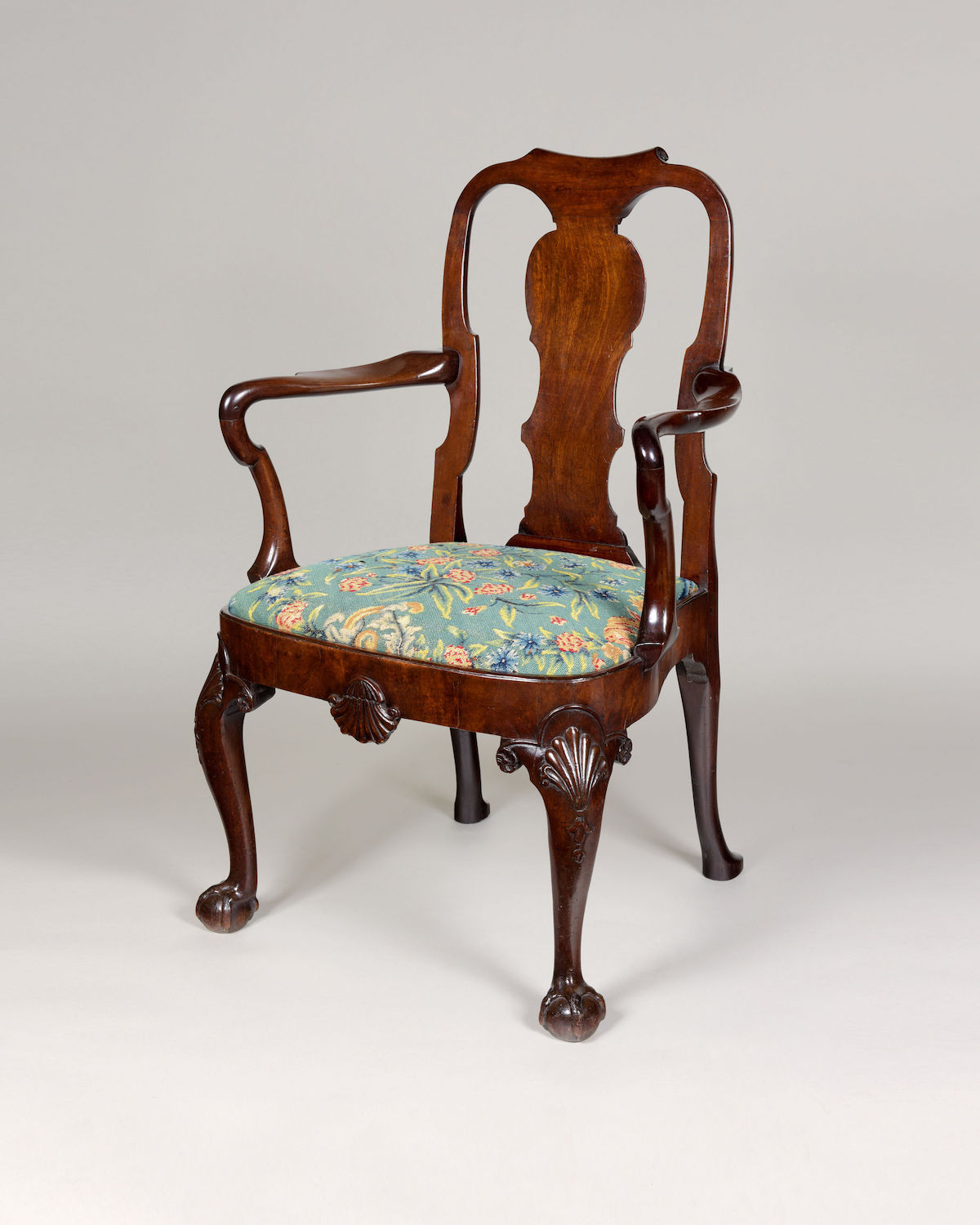 A FINE GEORGE II PERIOD MAHOGANY OPEN ARMCHAIR