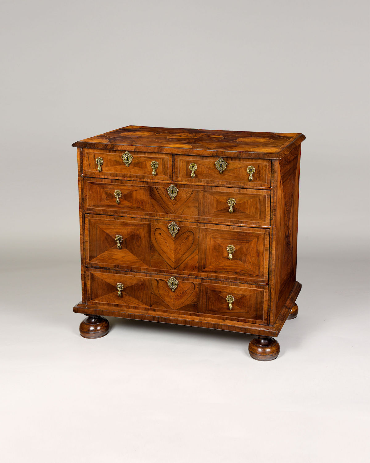 WILLIAM & MARY KINGWOOD CHEST